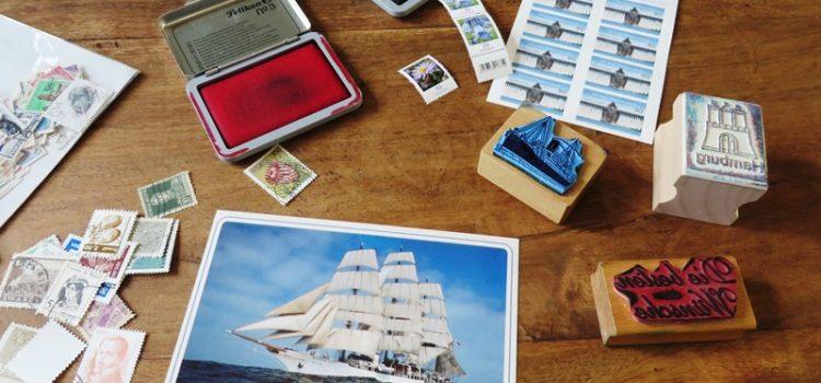 postkarte bekleben und stempeln
