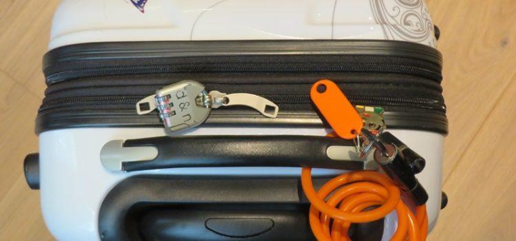 Koffer mit Kabelschloss