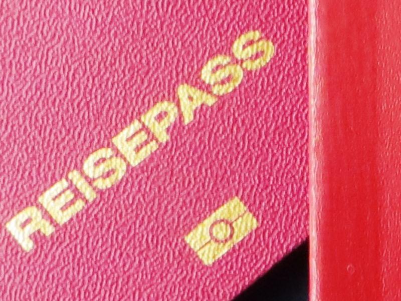 Reisepass für England, Immigration